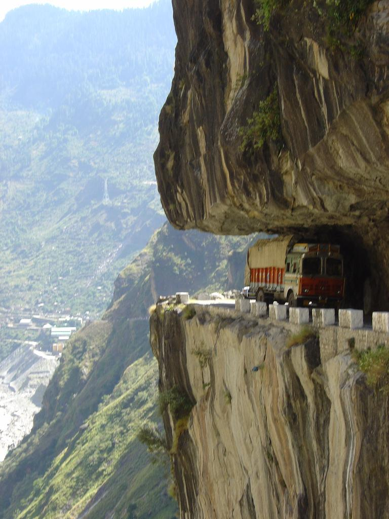 http://www.blogoftheworld.com/wp-content/uploads/2013/09/Karakoram-Highway-Pakistan1.jpg