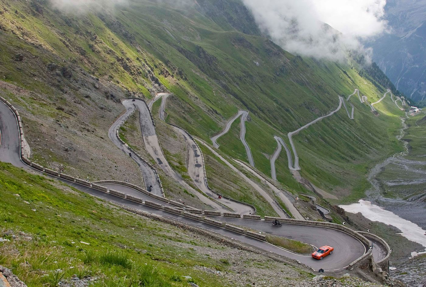 http://www.blogoftheworld.com/wp-content/uploads/2013/09/The-Stelvio-Pass-Italy1.jpg