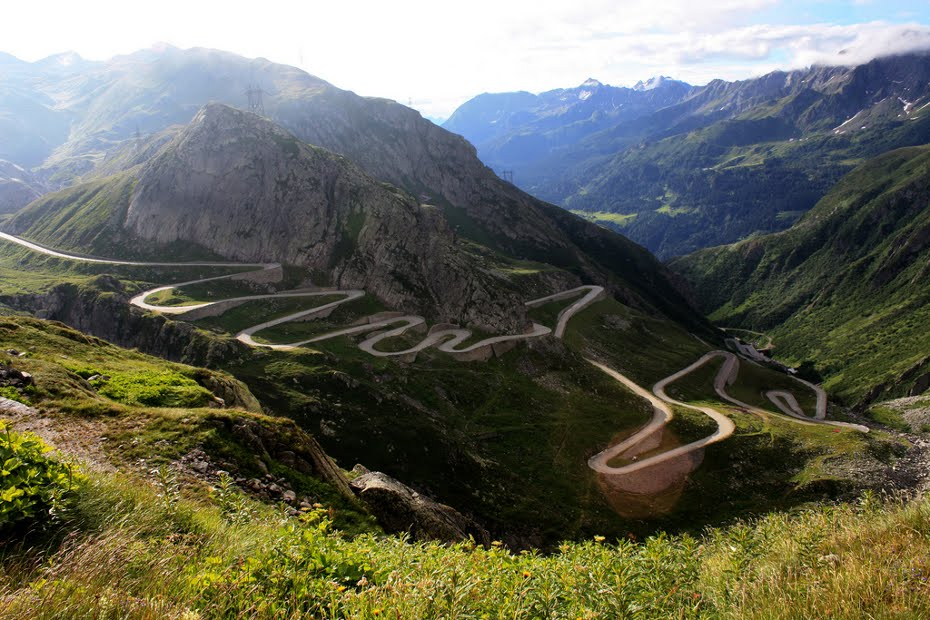 http://www.blogoftheworld.com/wp-content/uploads/2013/09/gotthard-pass-switzerland-21.jpg