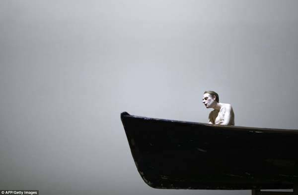 ron mueck man in boat