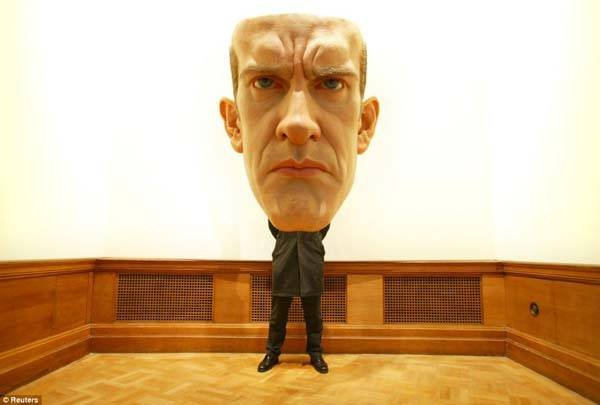 mask 2 by ron mueck