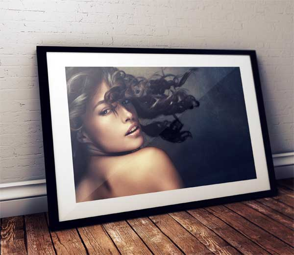 free-photo-frame-mock-up